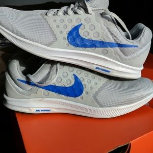 Nike Shoes - Men's Nike Downshifter